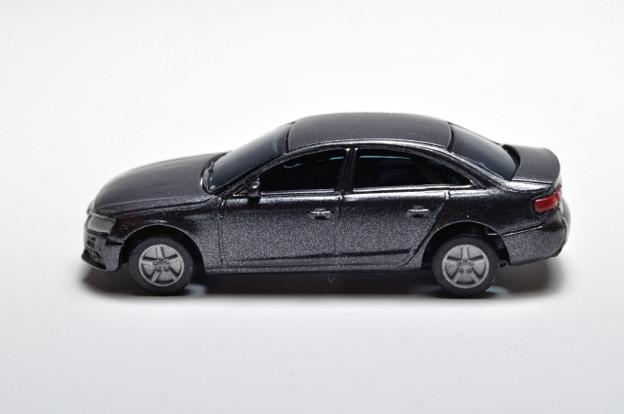 サントリーボス_アウディコレクション Audi A4_003