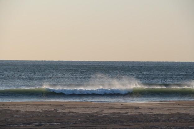 いい波が立つことから国内有数のサーフスポット