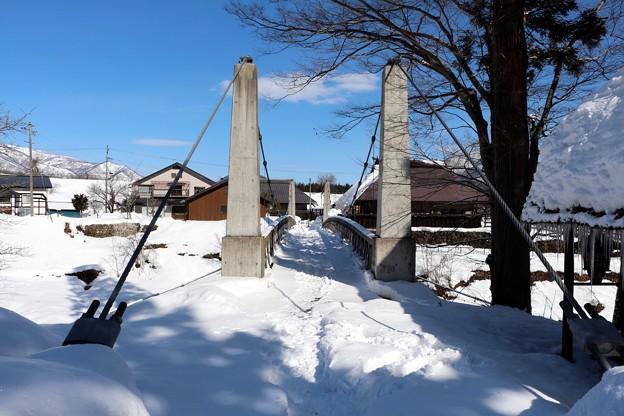 姫川に架かる大出吊り橋