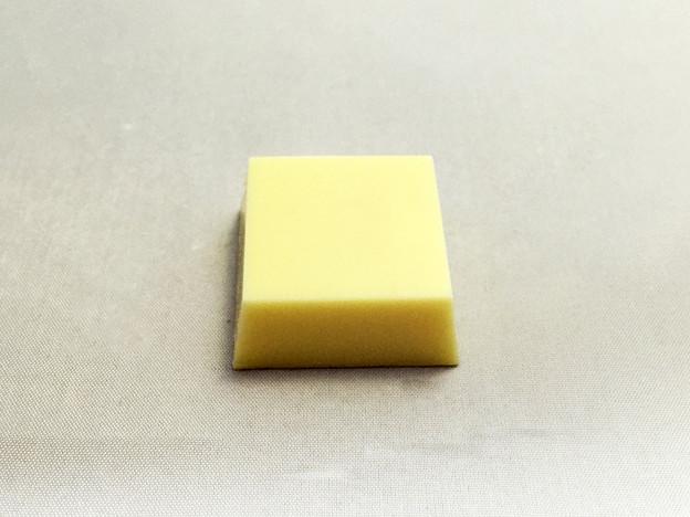 『チロルチョコ』の「プレミアムチーズケーキ」02