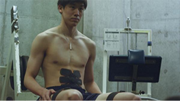 石川祐希【シックスパッド】新CM公開!中央大学男子バレーボール部たちと肉体美を披露!