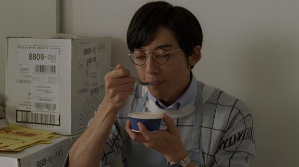 カップアイスの新CM「MOW(モウ)」シリーズに、俳優の高橋一生を起用