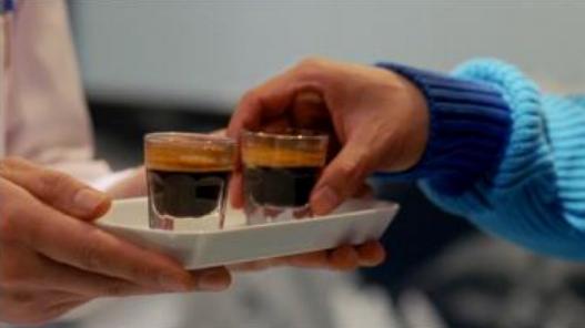 多部未華子 チルドカップコーヒー「マウントレーニア」