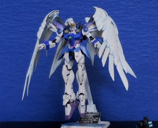 16 MG. Wing Gundam Zero EW  XXXG-00W0