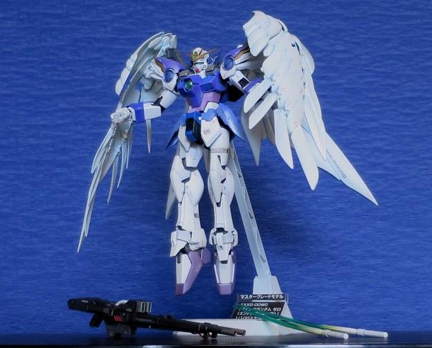 04 MG. Wing Gundam Zero EW  XXXG-00W0