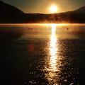 写真: 2017年 初日の出 精進湖