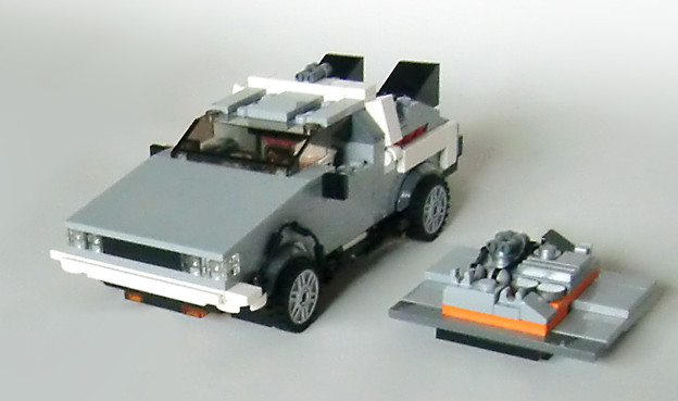 LEGO デロリアン・タイムマシーン!