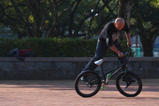 自転車曲乗り・4