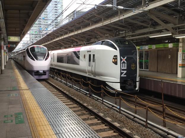 E657系とE259系