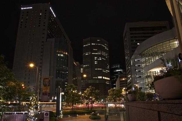 眠りゆく大阪駅