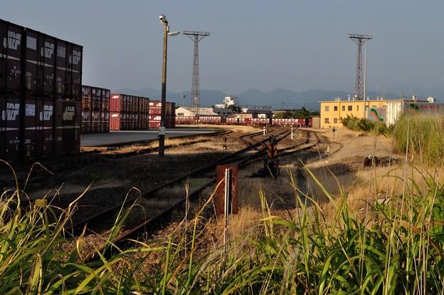 港の線路 08