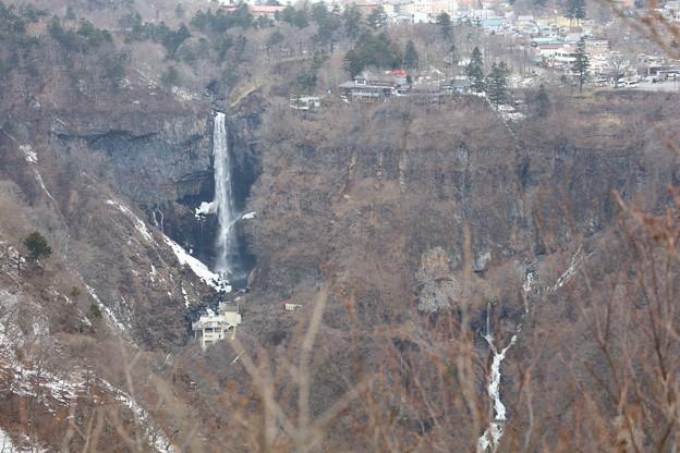 華厳の滝(遠目)