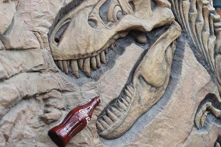 恐竜とコーラ?!
