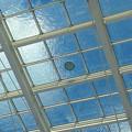 写真: 背景の青空で映える、オアシス21水の宇宙船の水 - 3
