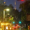 写真: 夜の久屋大通、遠くに名古屋テレビ塔 - 3