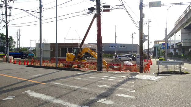 上末交差点のGSが閉店して、コンビニ建設中? - 2