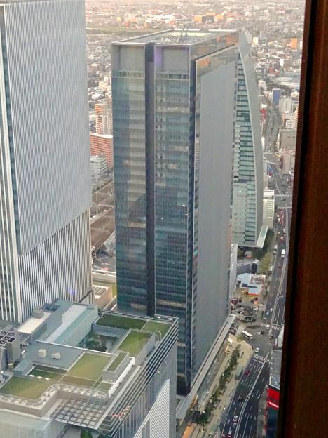 写真: ミッドランドスクエア「スカイプロムナード」から見た景色(夕方) - 62:JPタワー名古屋