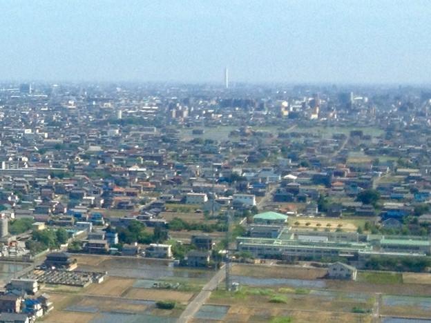 ツインアーチ138展望階から見た三菱電機稲沢製作所のエレベーター試験塔(2012年6月撮影) - 2