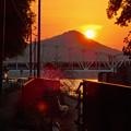 伊木山の向こうに沈む夕日 - 2