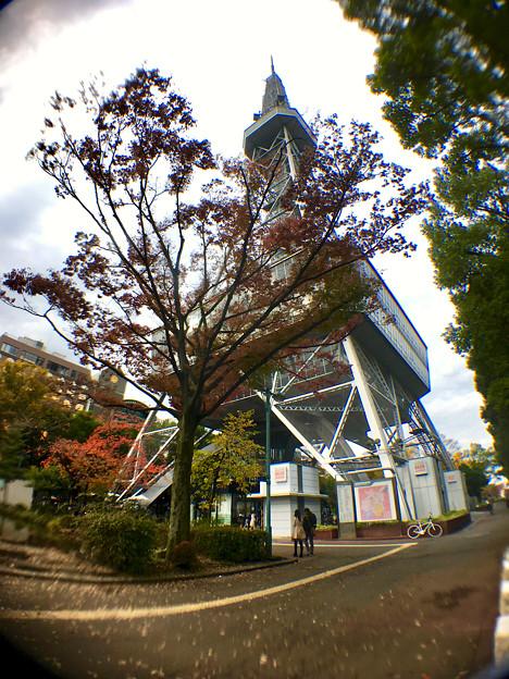 広角レンズで撮影した名古屋テレビ塔 - 1