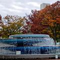 Photos: 久屋大通公園の噴水周りの紅葉 - 2