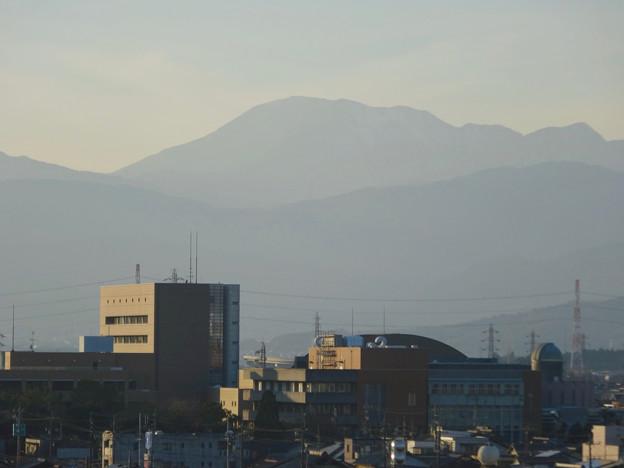 写真: 大垣城 - 44:最上階から見た景色(伊吹山)