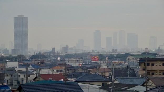 写真: エアポートウォーク名古屋から見た名駅ビル群とザ・シーン城北 - 2
