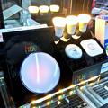 写真: ビックカメラ名古屋駅西店のAppleショップ横に「Philips Hue」コーナー