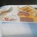 Photos: 食べかけですんません。モーニングセットを食した。サラダにかかって...