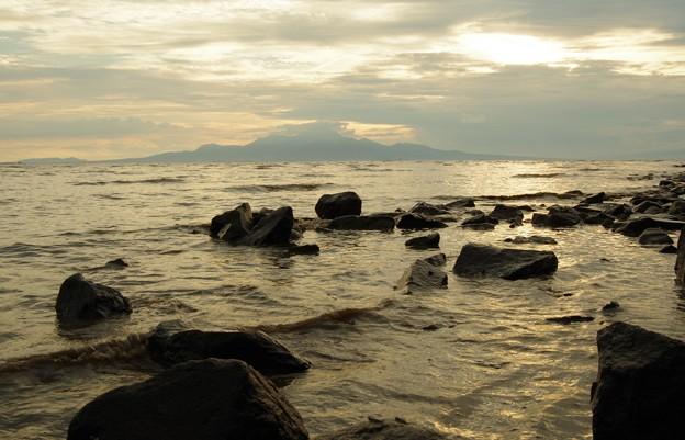 引き潮は満ち潮より波が来る