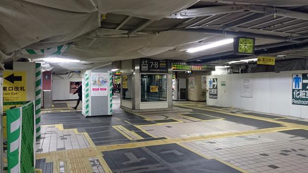 工事中の駅構内 [JR 千葉駅]