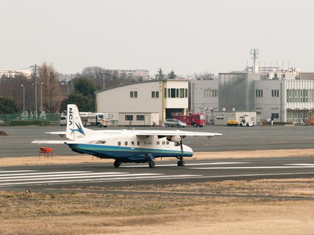 離陸を待つドルニエ228