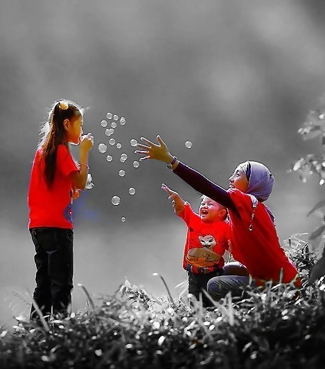 Soap bubbles melted in a heart(1)