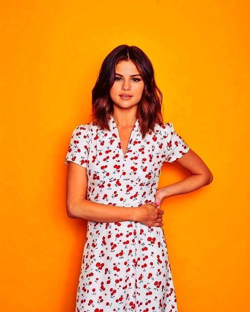 Beautiful Selena Gomez(900430)