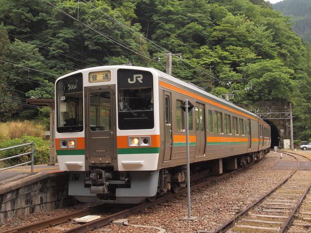 213系普通 飯田線大嵐駅