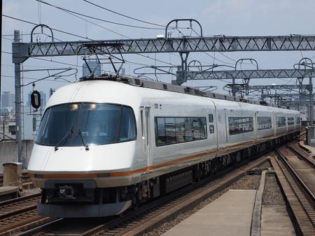 近鉄21000系名伊甲特急 近鉄名古屋線八田駅01