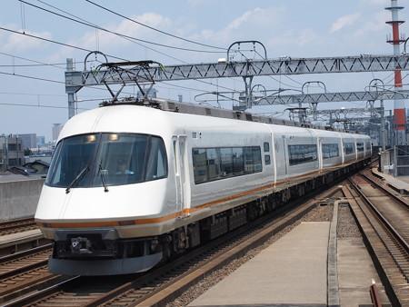 近鉄21000系名伊甲特急 近鉄名古屋線八田駅02