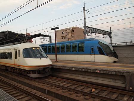 近鉄の2大ヒーロー 近鉄名古屋線八田駅