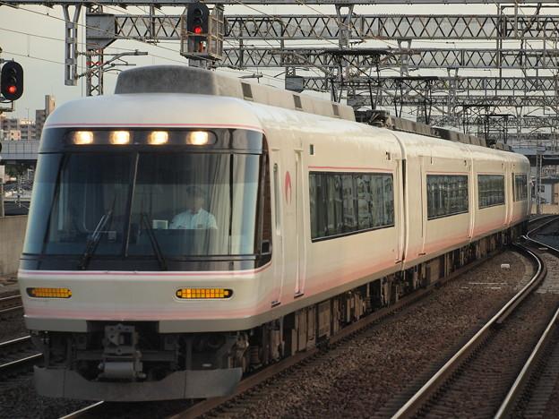 Photos: 近鉄26000系特急近鉄南大阪線今川駅02