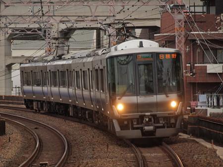 223系区間快速 阪和線美章園駅02