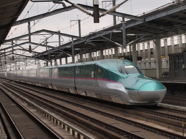 E5系はやぶさ 東北新幹線古川駅