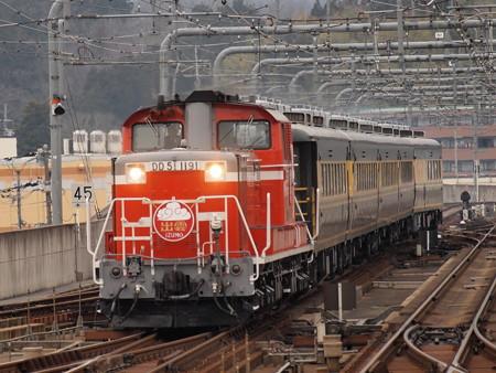 DD51 サロンカーなにわ  山陰本線福知山駅02