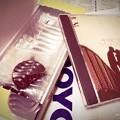 Photos: Royce' pure chocolate, Listening to Jazz of Herbie Hancock