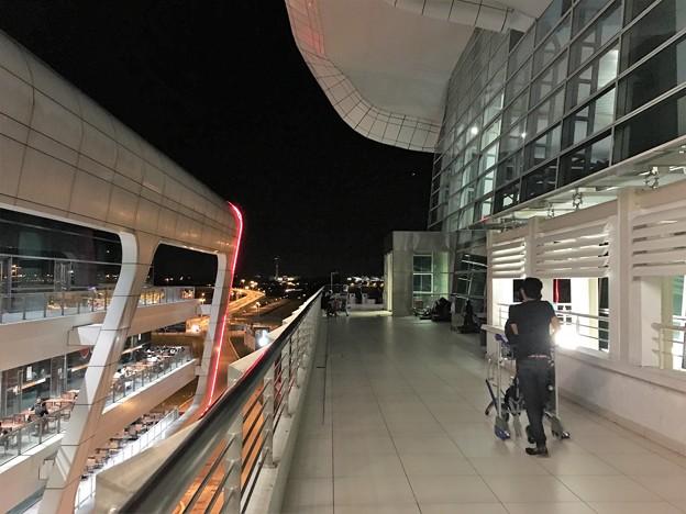 マレーシア クアラルンプール空港で一服 (10)