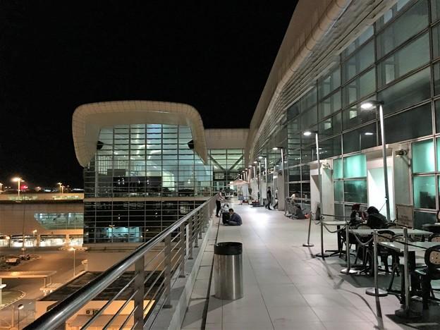 マレーシア クアラルンプール空港で一服 (11)
