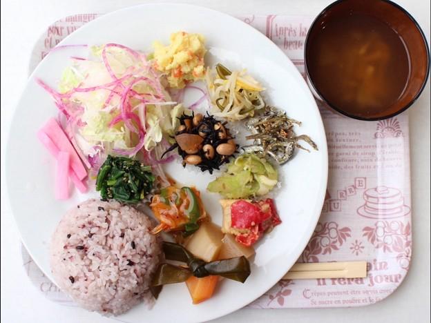 写真: 有機野菜ランチ