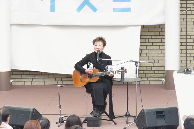 加藤登紀子ミニライブ IMG_1714
