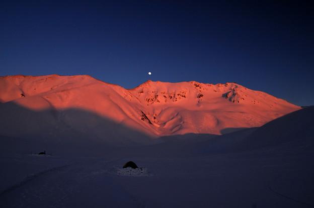 アーベントロートの立山。。そこに月が上がった