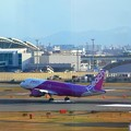 PEACH着陸~福岡空港