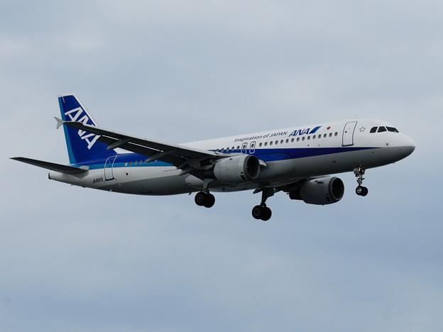 写真: 全日空A320-200
